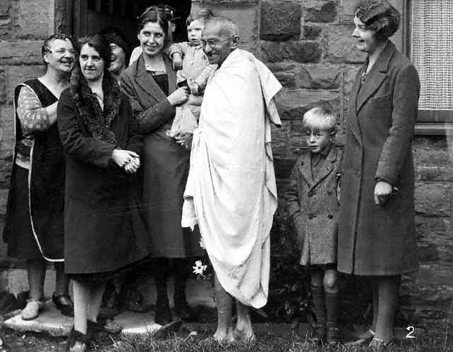 a look at the life of mohandas gandhi Mahatma gandhi jump to navigation jump to search mohandas karamchand gandhi  during gandhi's life, india was a colony of the united kingdom,.